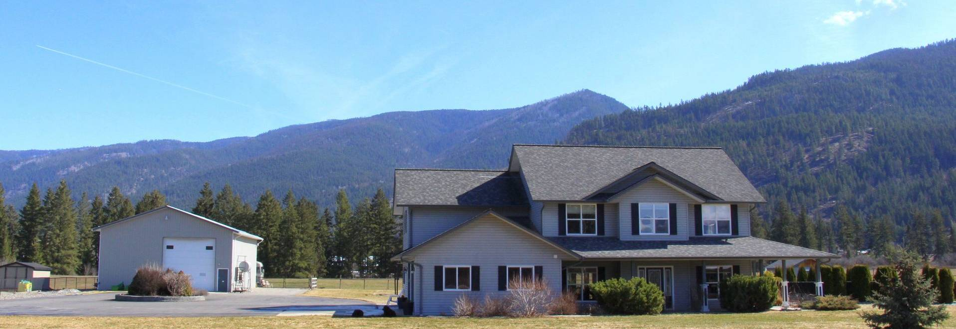 1910 Rosedale Avenue E, Armstrong, BC