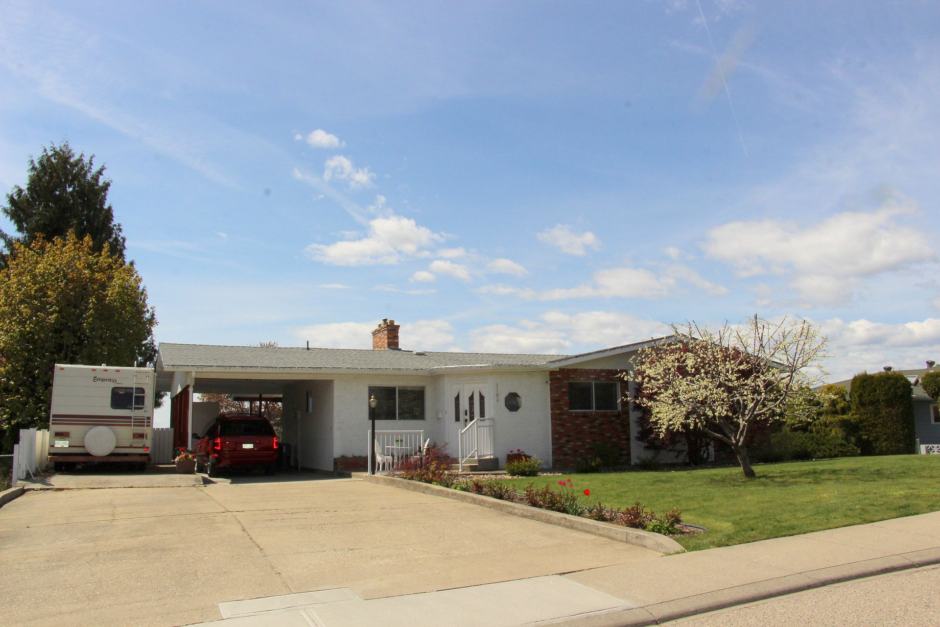 Level Entry East Hill Home With Pool   3102 11th Street, Vernon